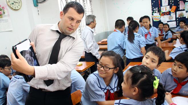 Bắc Giang: Đưa giáo viên nước ngoài vào dạy tiếng Anh tại các trường học
