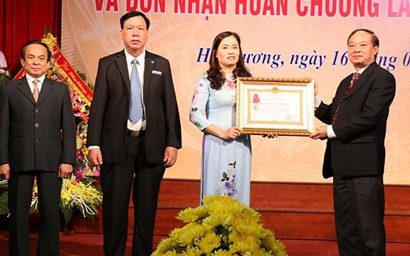 Bảo hiểm xã hội tỉnh Hải Dương đón nhận Huân chương Lao động hạng Nhất