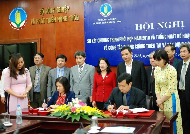 Tăng cường quan hệ hợp tác giữa Bộ NN&PTNT và Trung ương Hội Chữ thập đỏ Việt Nam