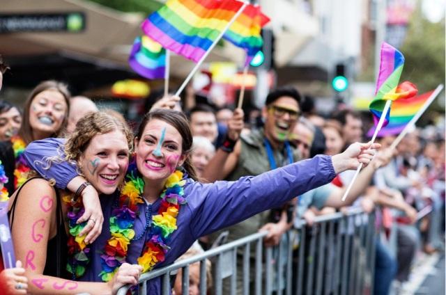 Lễ hội Mardi Gras dành cho cộng đồng LGBT lần đầu tiên đến Hà Nội