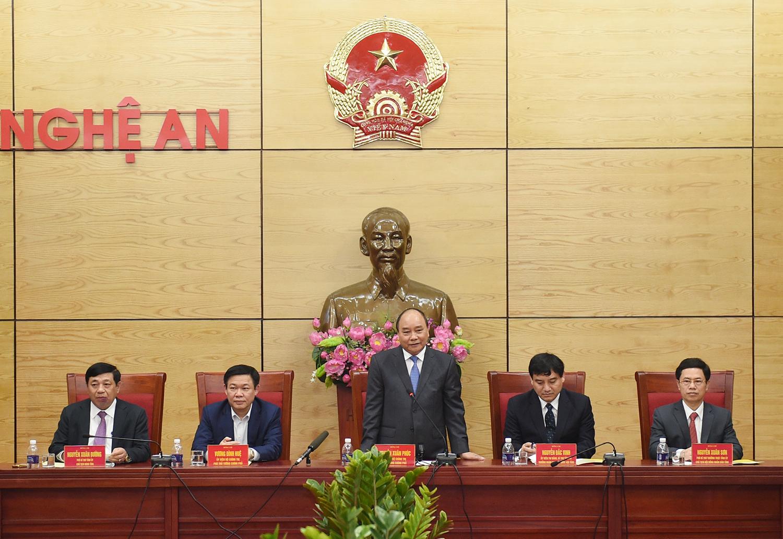 Thủ tướng Nguyễn Xuân Phúc làm việc với lãnh đạo chủ chốt tỉnh Nghệ An