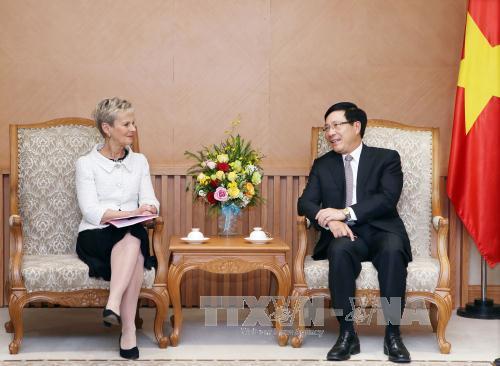 Phó Thủ tướng, Bộ trưởng Ngoại giao Phạm Bình Minh tiếp Thống đốc Vùng Ostergotland (Thụy Điển)