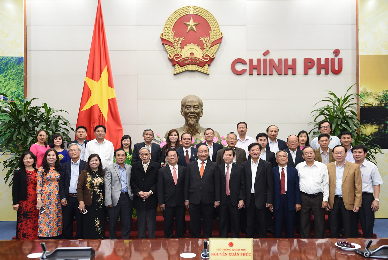 Thủ tướng Nguyễn Xuân Phúc tiếp đoàn cán bộ lãnh đạo, nguyên lãnh đạo tỉnh Quảng Ngãi