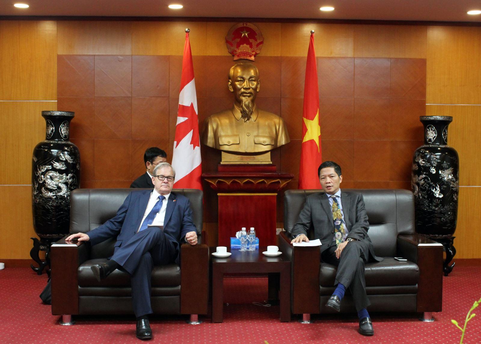 Thúc đẩy quan hệ hợp tác thương mại Việt Nam - Canada