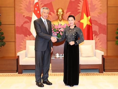 Thủ tướng Xinh-ga-po Lý Hiển Long: Mối quan hệ giữa hai Quốc hội đem lại lợi ích thiết thực