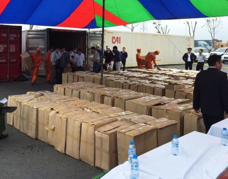 Bắt giữ container chứa lượng lớn lá Khát