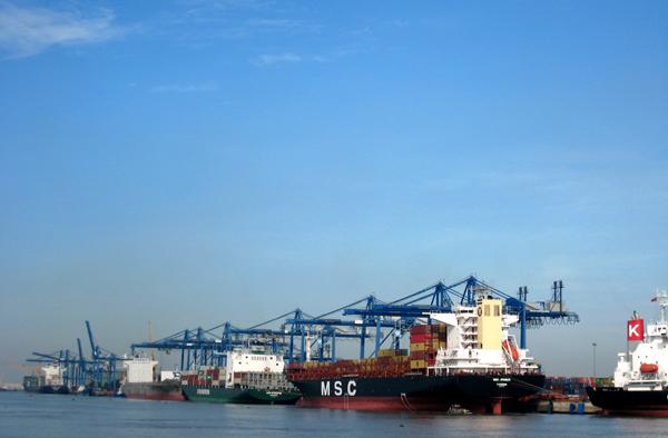 Tổng trị giá xuất khẩu hàng hoá 2 tháng đầu năm ước đạt 27,34 tỷ USD
