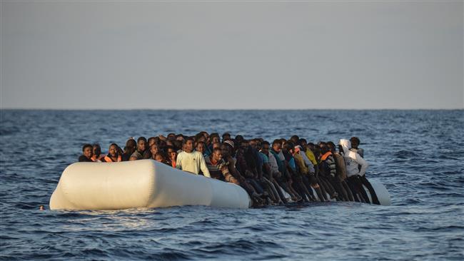 Khoảng 1800 người di cư được cứu sống trên biển Địa Trung Hải