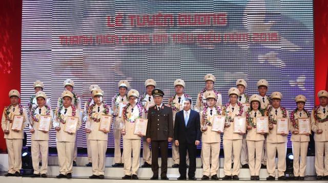 Tôn vinh 20 cán bộ Đoàn, đoàn viên, thanh niên xuất sắc của lực lượng Công an nhân dân