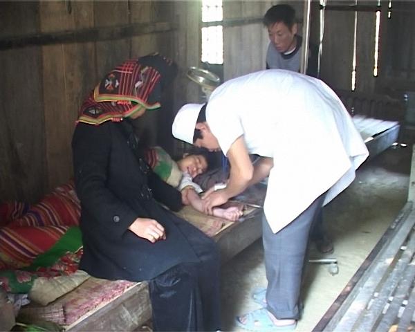 Lai Châu: Phát huy hiệu quả vai trò của đội ngũ nhân viên y tế thôn, bản