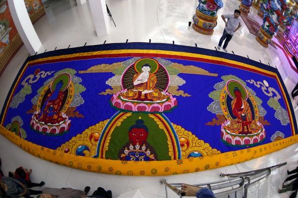 Khai mở tranh cuộn Phật Quan Âm lớn nhất Việt Nam