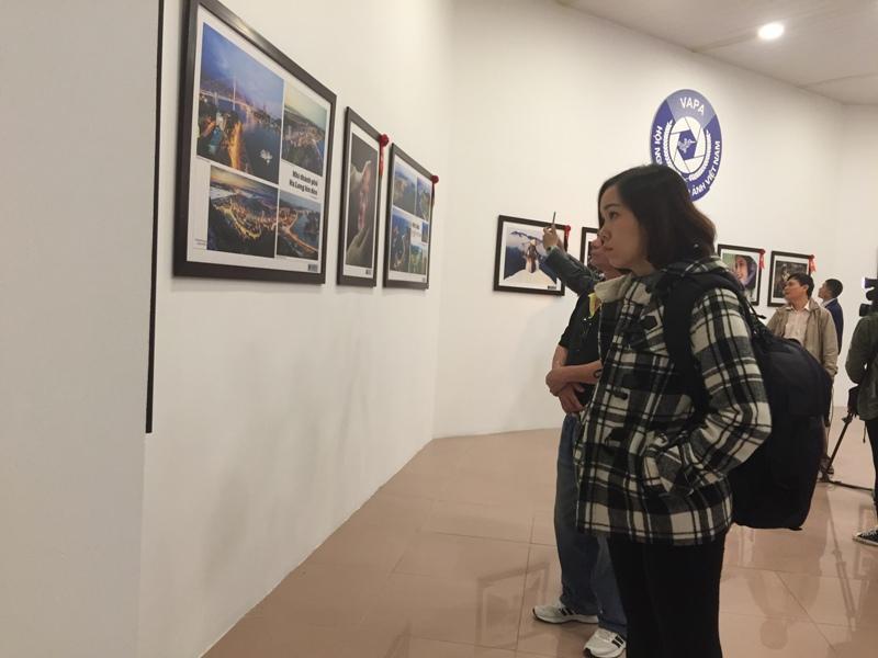 Hội Nghệ sĩ Nhiếp ảnh Việt Nam nhận sai sót về triển lãm tổng kết ảnh 30 năm đổi mới