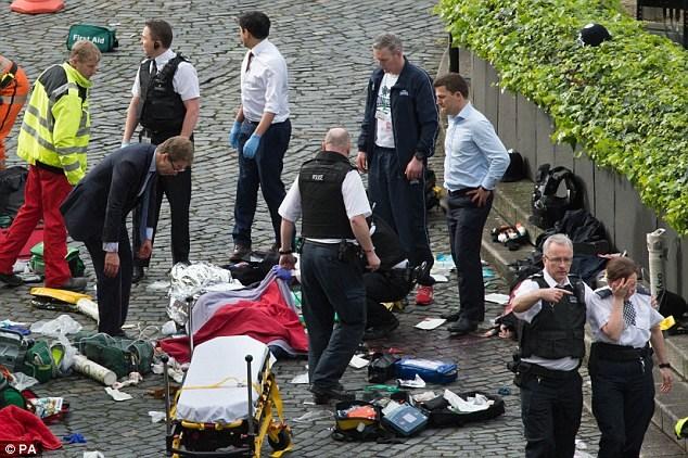 Vụ tấn công bên ngoài tòa nhà Quốc hội Anh: IS nhận gây ra vụ tấn công