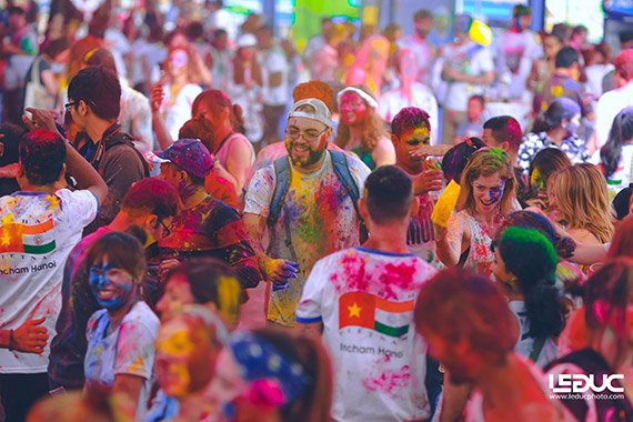 """Trải nghiệm nét văn hóa độc đáo Ấn Độ tại """"Lễ hội sắc màu"""" 2017"""