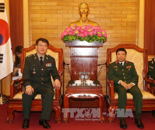 Lãnh đạo Tổng cục Chính trị QĐND Việt Nam tiếp đoàn Tham mưu trưởng Bộ Tư lệnh An ninh quốc phòng Hàn Quốc