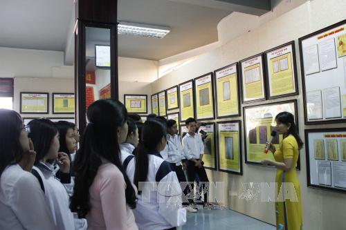 """Triển lãm bản đồ và trưng bày tư liệu """"Hoàng Sa, Trường Sa của Việt Nam – Những bằng chứng lịch sử và pháp lý"""" tại Kon Tum"""