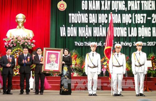 Phó Chủ tịch nước Đặng Thị Ngọc Thịnh dự lễ kỷ niệm 60 năm xây dựng, phát triển Trường Đại học Khoa học - Đại học Huế