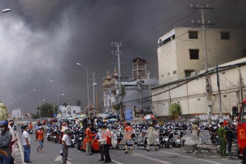 Vụ cháy lớn tại Khu công nghiệp Trà Nóc, Cần Thơ: Cho học sinh nghỉ học, sơ tán người dân quanh khu vực hỏa hoạn