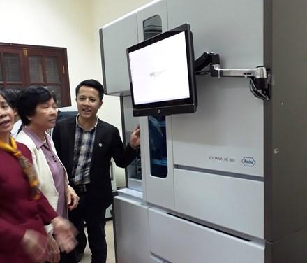 Khai trương hệ thống máy xét nghiệm tự động hiện đại phục vụ điều trị ung thư