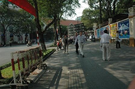 TP.Hồ Chí Minh trả lại vỉa hè cho người đi bộ