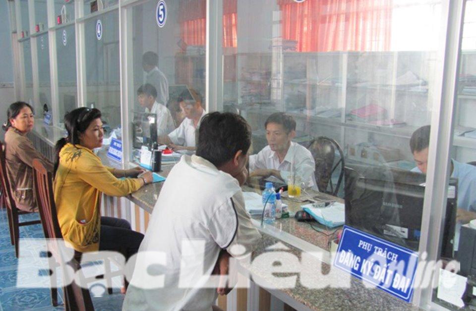 Huyện Hòa Bình: Từng cán bộ, đảng viên cam kết giữ gìn tốt phẩm chất, đạo đức lối sống