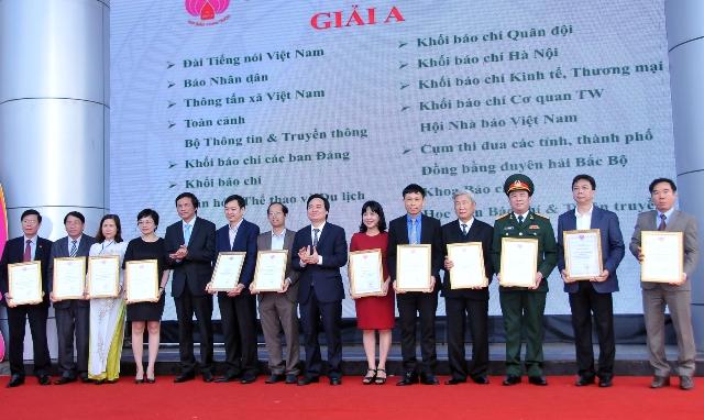 Đồng chí Nguyễn Thiện Nhân: Báo chí tích cực tham gia phòng, chống tham nhũng, lãng phí