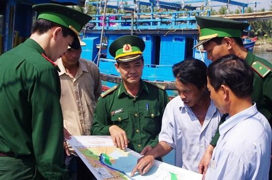 Tuyên truyền, nâng cao nhận thức cho ngư dân về lãnh hải và chủ quyền biển, đảo