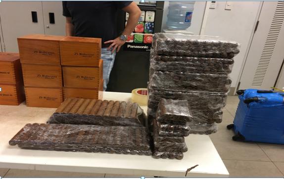 Thu giữ gần 17.000 điếu xì gà vận chuyển lậu qua sân bay Nội Bài
