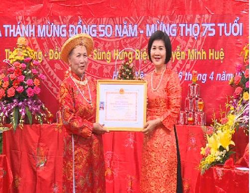 Trao tặng danh hiệu Nghệ nhân dân gian ở TP Hưng Yên