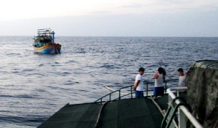 Cứu nạn thành công tàu cá của ngư dân Quảng Ngãi