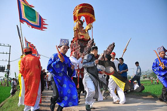 Hội làng Yên Lạc