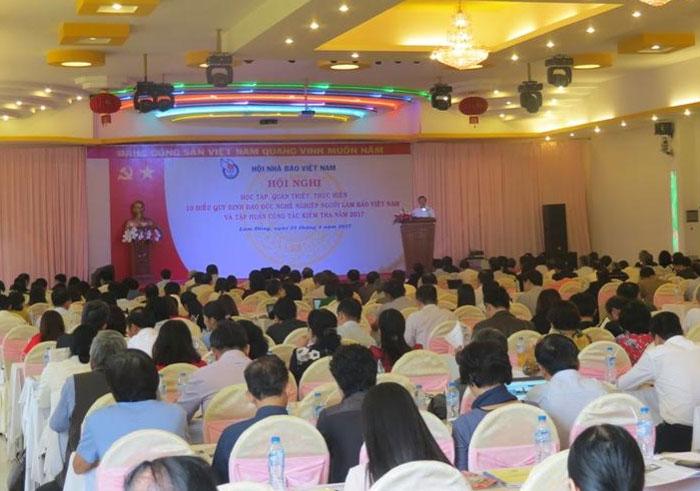 Quán triệt, thực hiện tốt Quy định đạo đức nghề nghiệp người làm báo Việt Nam