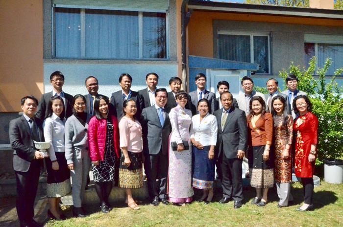 Việt Nam chung vui Tết cổ truyền của Lào tại Geneva