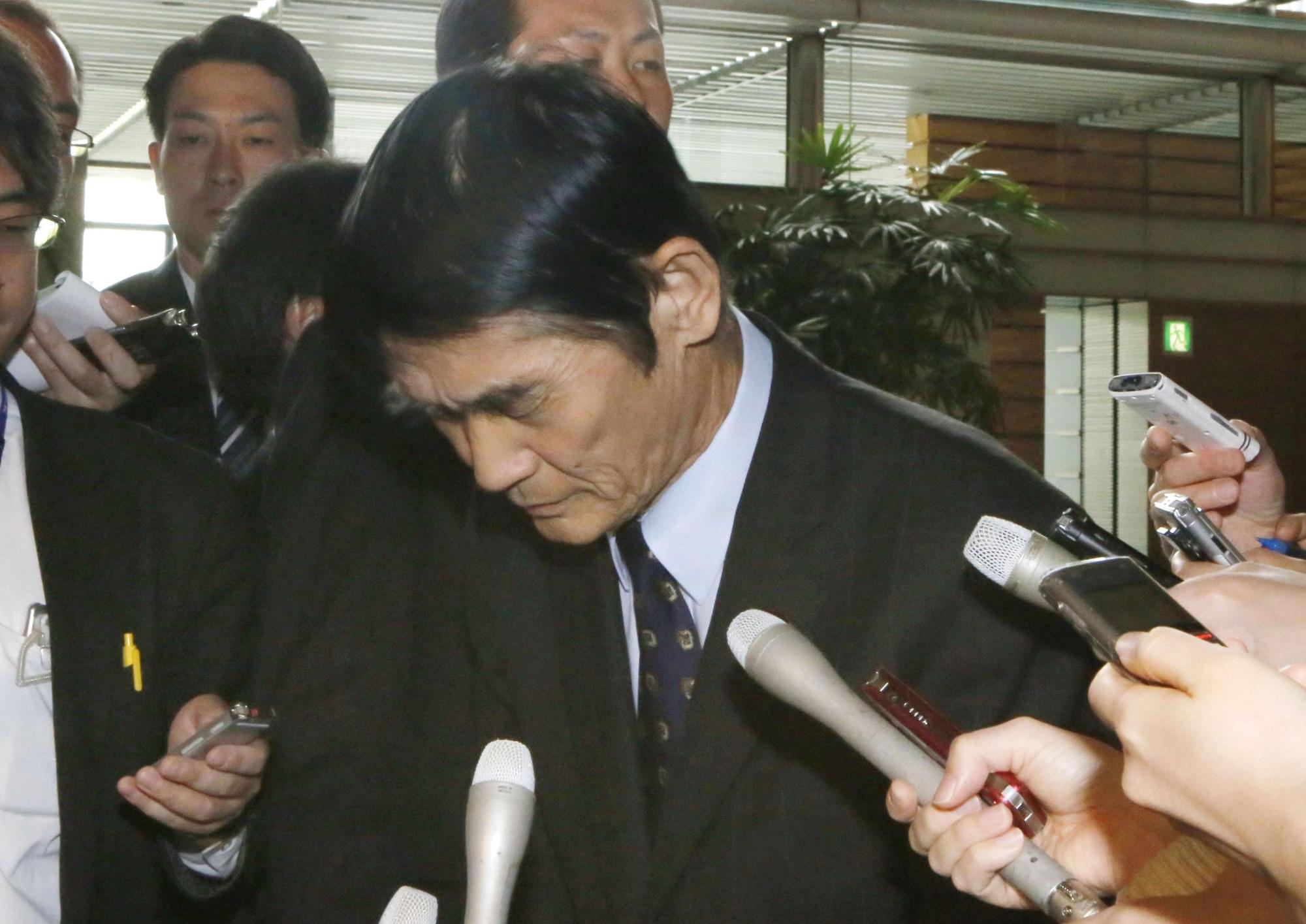 Bộ trưởng Tái thiết Nhật Bản từ chức vì phát ngôn lỡ lời
