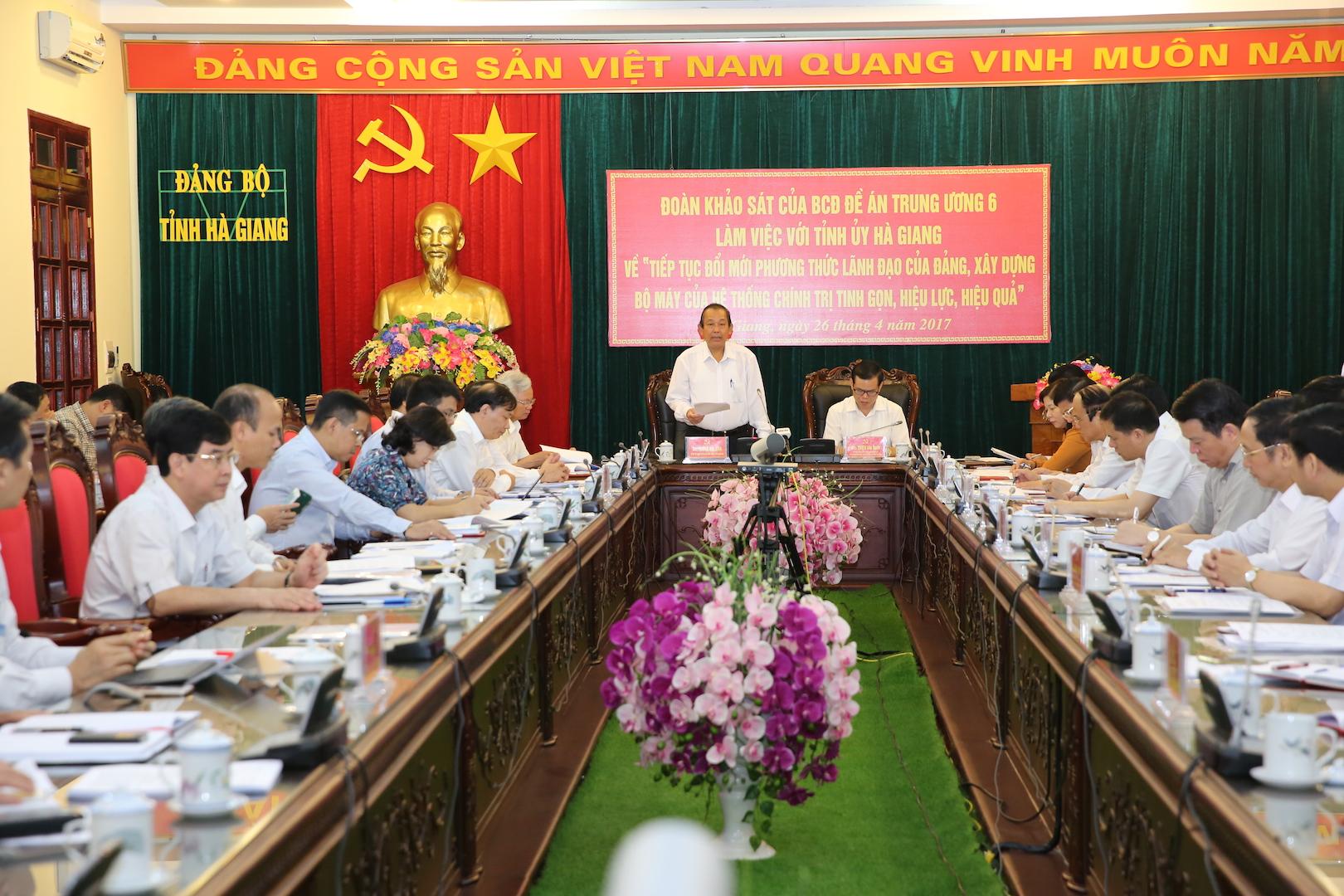 Phó Thủ tướng Thường trực Chính phủ Trương Hoà Bình làm việc với Tỉnh ủy Hà Giang