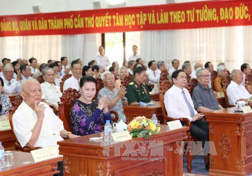 Chủ tịch Quốc hội dự Lễ kỷ niệm 42 năm ngày Giải phóng miền Nam, thống nhất đất nước tại Cần Thơ