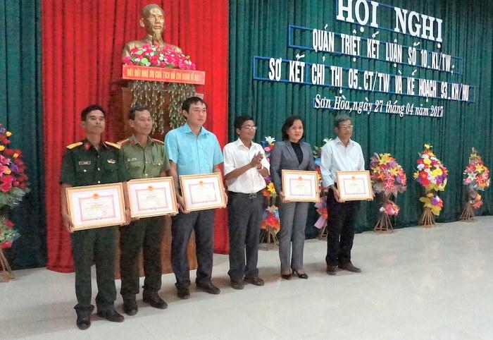 Sơn Hoà đẩy mạnh học và làm theo tư tưởng, đạo đức, phong cách Hồ Chí Minh