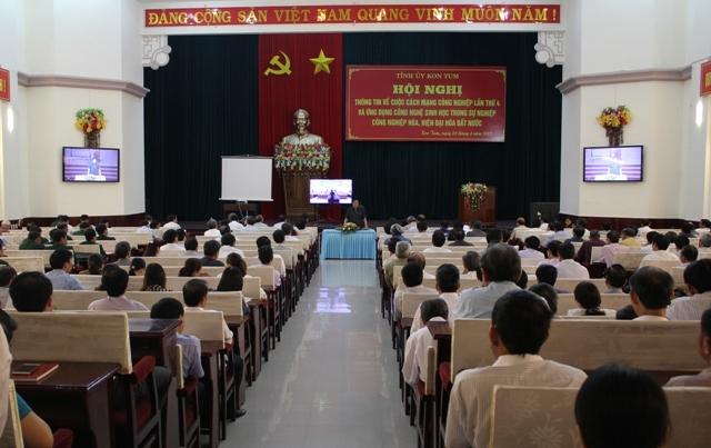 Kon Tum: Hội nghị trực tuyến về cách mạng công nghiệp lần thứ 4