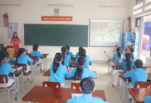 """Lào Cai: Gần 10 vạn học sinh tham gia Cuộc thi """"Tuổi trẻ học đường Lào Cai làm theo lời Bác"""""""