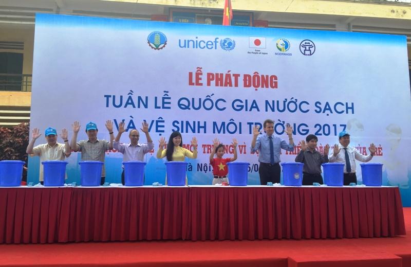 Phát động Tuần lễ Quốc gia nước sạch và vệ sinh môi trường nông thôn 2017