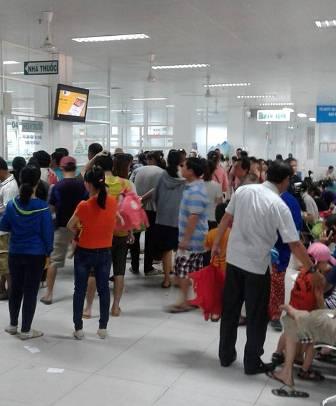 TP.Hồ Chí Minh: Nắng nóng khiến trẻ bị bệnh gia tăng