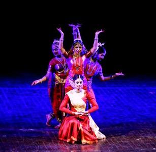 Biểu diễn nghệ thuật múa cổ điển truyền thống Ấn Độ tại Hà Nội