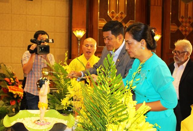 Sôi động chương trình giao lưu hữu nghị chúc mừng Tết cổ truyền một số nước châu Á tại Hà Nội
