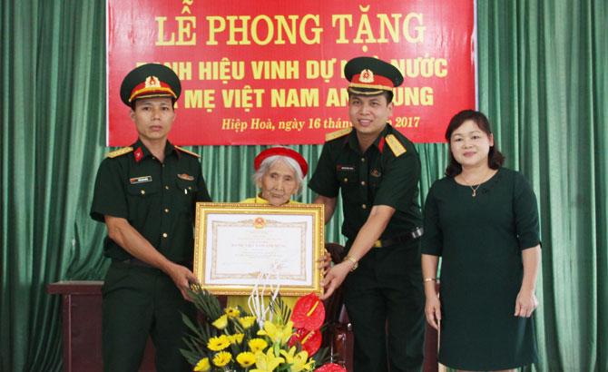 Nhiều tỉnh, thành tổ chức các hoạt động tri ân Bà mẹ Việt Nam Anh hùng