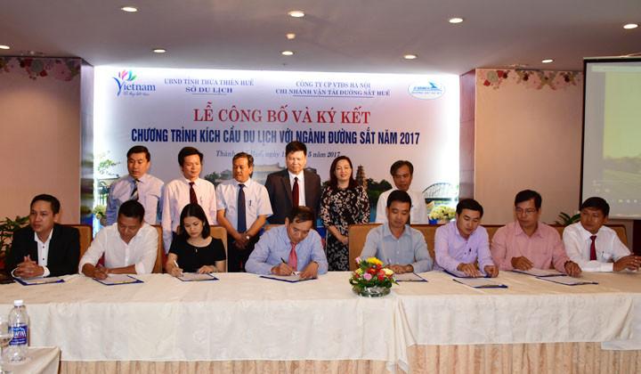 Thừa Thiên Huế ký kết chương trình kích cầu du lịch với ngành đường sắt
