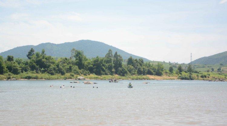 Phú Yên: Tắm sông, 4 học sinh lớp 6 bị đuối nước