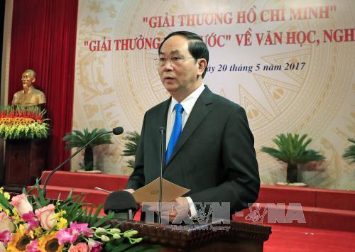 Chủ tịch nước Trần Đại Quang: Tạo điều kiện để văn nghệ sĩ bám sát thực tiễn của đất nước