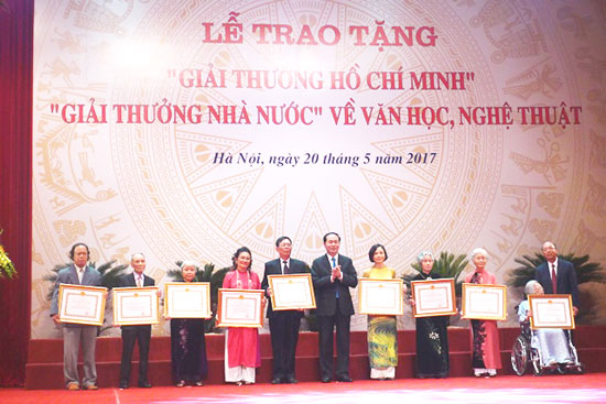 Trao tặng Giải thưởng Hồ Chí Minh, Giải thưởng Nhà nước về Văn học, nghệ thuật