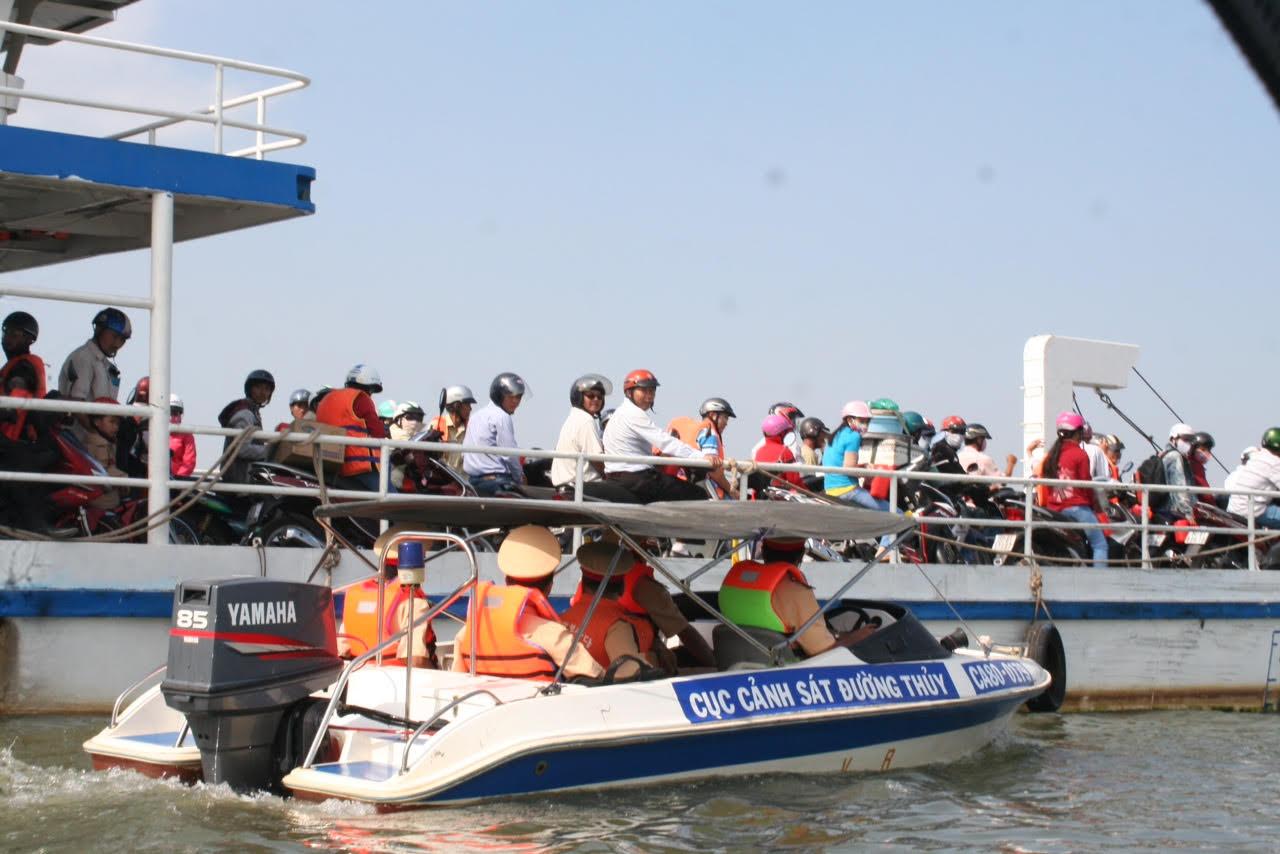 Đảm bảo an toàn giao thông cho hoạt động du lịch trên sông, biển