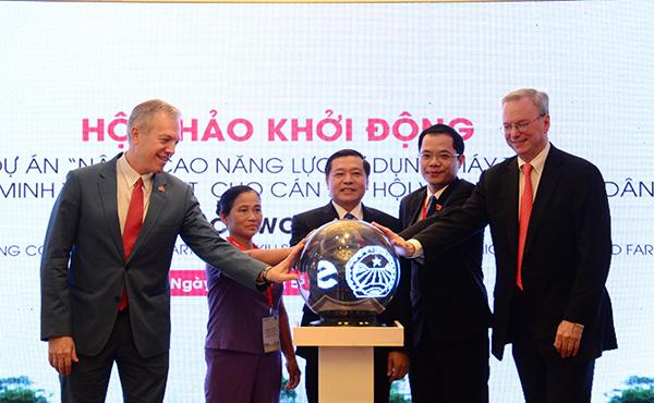 30.000 nông dân Việt Nam được hỗ trợ đào tạo kỹ năng sử dụng điện thoại thông minh và Internet